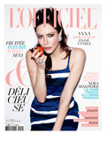 L'Officiel  April 2011 - Anna Mouglalis Porte une Robe en Toile de Coton Prada