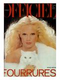 L'Officiel  November 1977 - Sylvie Vartan Porte une Magnifique Étole en Renard Blanc de Revillon