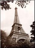 Eiffel Tower in Spring Reproduction montée par Jonathan Larsen