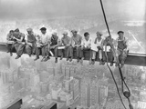 New York Construction Workers Lunching on a Crossbeam, 1932 Impression sur toile par Charles C. Ebbets