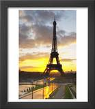 Eiffel Tower at Dawn  Place Trocadero Square  Paris  France