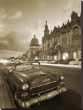 Vintage car on a Havana street