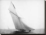 Yacht Columbia Sailing  1899