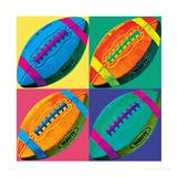 Quatre ballons de football américain Giclée premium par Hugo Wild