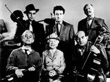 The Ladykillers  Alec Guinness  Herbert Lom  Katie Johnson  Peter Sellers  Danny Green  et al  1955