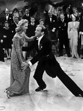 Holiday Inn  Marjorie Reynolds  Fred Astaire  1942