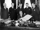 President Franklin Roosevelt Commissions the Federal Reserve Board