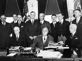 President Franklin Roosevelt with Preparing for the 1933 World Economic Conference