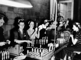 American Women Manufacturing High Explosive Shells