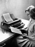 IBM's State of the Art Selectric Typesetting Unit Justifies Type Semi-Automatically