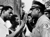 Chicago African American Policeman Tries to Calm a Crowd