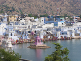 Buildings around Pushkar Lake  Pushkar  Rajasthan  India