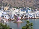 Buildings around Pushkar Lake  Pushkar  Rajasthan  India