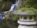 Stone Lantern and Heavenly Falls  Portland Japanese Garden  Oregon  USA