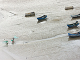 Fishermen Carrying Fish Net and Fishing Boats on Muddy Beach  East China Sea  Xiapu  Fujian  China