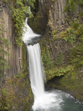 Toketee Falls in Douglas County  Oregon  USA