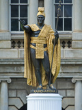 Statue of King Kamehameha I  Honolulu  Hawaii  USA