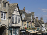 View Down the High Street  Burford  Oxfordshire  England  United Kingdom  Europe