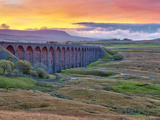 Pen-y-ghent and Ribblehead Viaduct  Yorkshire Dales Nat'l Park  North Yorkshire  England