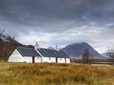 Black Rock Cottages and Buachaille Etive Mor  Rannoch Moor  Glencoe  Highland Region  Scotland