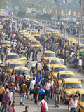 Yellow Kolkata Taxis and Commuters at Howrah Railway Station  Howrah  Kolkata (Calcutta)  India