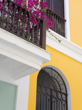 Colonial Buildings in Old City of San Juan  Puerto Rico Island  West Indies  USA  Central America