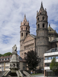 New Romanesque Cathedral of St Peter  from Marktplatz  by Siegfried Fountain  Worms  Germany
