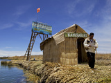 Entrance to Islas Flotantes (Floating Islands)  Lake Titicaca  Peru  South America
