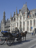 Horse Drawn Carraige Passing Provincial Court Building  Brugge  UNESCO World Heritage Site  Belgium