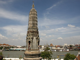 Wat Arun Temple (Temple of the Dawn) and Chao Phraya River  Bangkok  Thailand  Southeast Asia  Asia