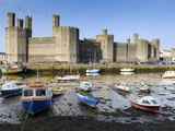 Low Tide on River Seiont at Caernarfon Castle  UNESCO World Heritage Site  Gwynedd  Wales  UK