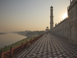 The River Yamuna Flowing Beside Taj Mahal  UNESCO World Heritage Site  Agra  Uttar Pradesh  India