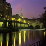 Dusk over the Pulteney Bridge and River Avon  Bath  UNESCO World Heritage Site  Somerset  England