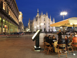 Restaurant in Piazza Duomo at Dusk  Milan  Lombardy  Italy  Europe