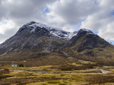 Single Small Cottage and Buachaille Etive Mor  Rannoch Moor  Glencoe  Highland Region  Scotland