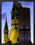 Eglise du Souvenir de l'Empereur Guillaume, Berlin, Allemagne - Kaiser-Wilhelm-Gedächtniskirche Tableau sur toile encadré par Walter Bibikow