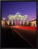 Brandenburg Gate at Night, Berlin, Germany Tableau sur toile encadré par Terry Why