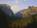 Yosemite Valley and Bridal Veil Falls  Yosemite National Park  California  USA