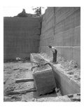 Hercules Stone Co  Hoisting Sandstone Block  ca 1909