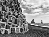 Basalt Columns and Sea Stacks, Reynisfjara, Iceland Papier Photo par Nadia Isakova