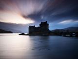 Eilean Donan Castle at Sunset, Scotland, UK Papier Photo par Nadia Isakova