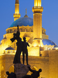 Lebanon  Beirut  Statue in Martyr's Square and Mohammed Al-Amin Mosque at Dusk