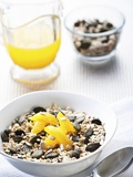 Muesli with Pumpkin Seeds and Oranges