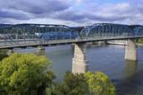 Walnut Street Pedestrian Bridge over the Tennessee River  Chattanooga  Tennessee  USA