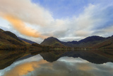 Fleetwith Pike and Hills Reflected in Buttermere  Lake District Nat'l Pk  Cumbria  England  UK