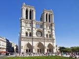 Front Facade of the Cathedral of Notre Dame  Ile de la Cite  Paris  France  Europe