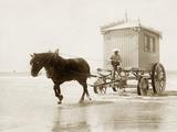 Beach wagon in Ostende  1910