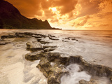 Kauai  Hawaii: Sunset on Tunnels Beach