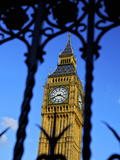 Big Ben Through Iron Gates  Houses of Parliament  Westminster  London  England