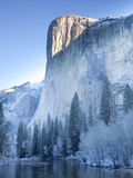 Scenic Image of El Capitan in Yosemite National Park